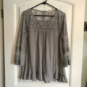 Umgee Gray & Lace Top